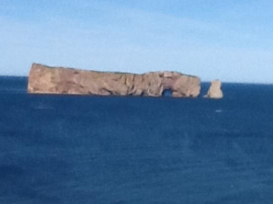 Hotel-Motel La Cote Surprise: View of Percé Rock from our room