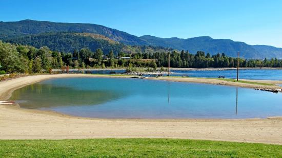 Castlegar, Kanada: 3 Fresh water pools