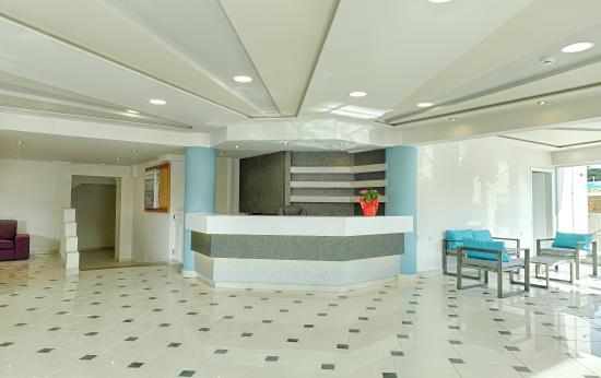 Hotel Karras: Reception