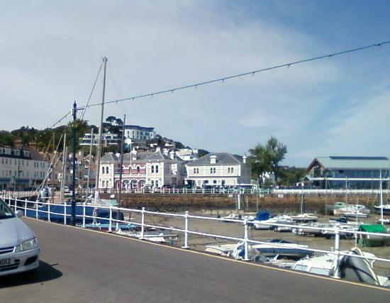 Le Petit Train: St Aubin harbour