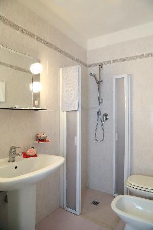 Hotel Edelweiss: bagno