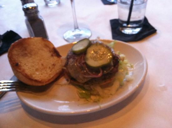 The Lakeside Supper Club & Lounge: Hamburger