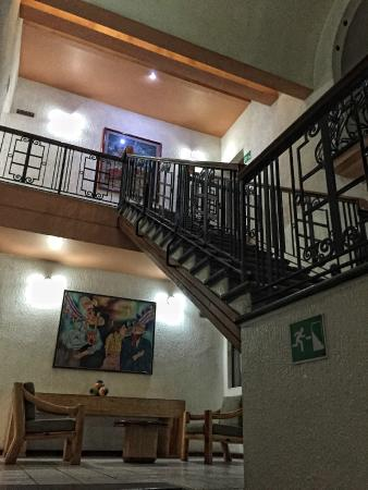 Hotel Gala Oaxaca : Stairs from the second level I think.