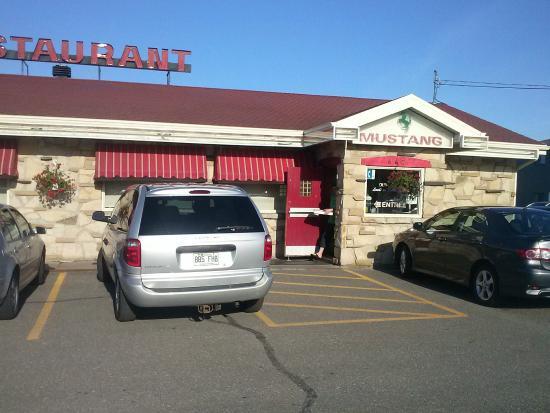 Restaurant Mustang : Mustang Pizza