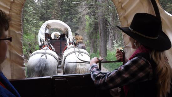 Bar-T-5 Cookout : Wagon train