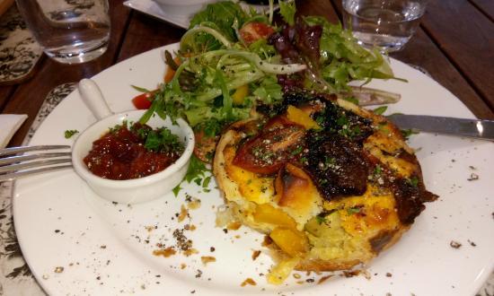 Seasons Restaurant at Cloudehill