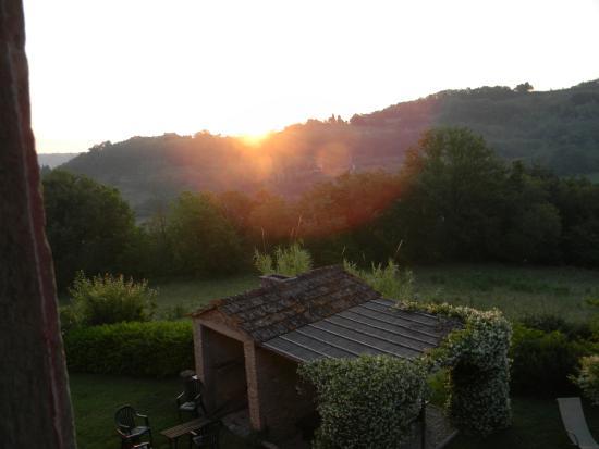 Fattoria Corzano e Paterno: Tuscan Sunrise
