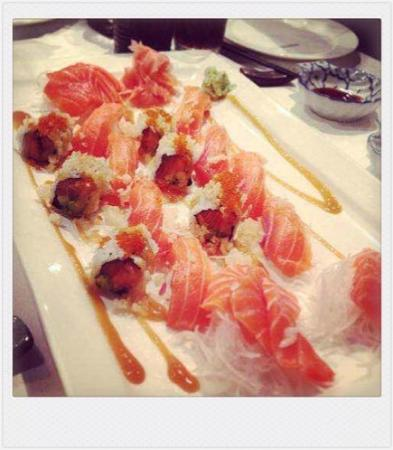 Ayame Japanese Restaurant: *Ayame Special Platter  (For 2p)Nigiri, Sashimi, Cooked Prawn Sushi & Special Roll