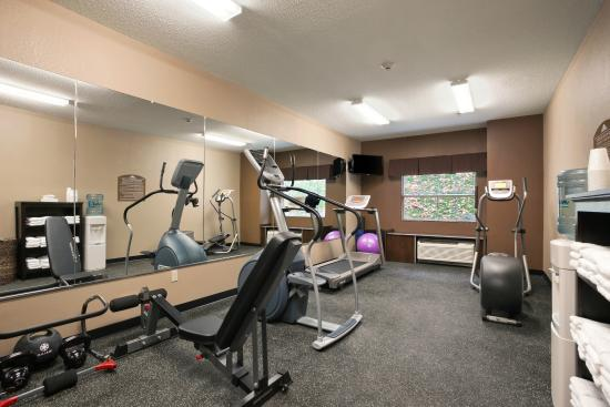 Microtel Inn & Suites by Wyndham Steubenville: Keep up with your Exercise Routine in our 24-Hour Fitness Facility