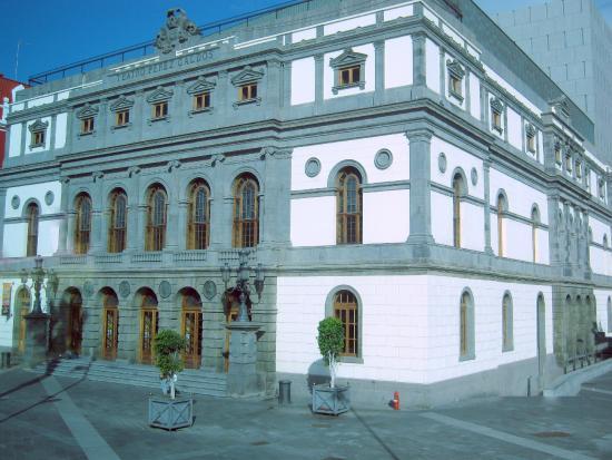 Teatro Pérez Galdós: Vista externa do teatro