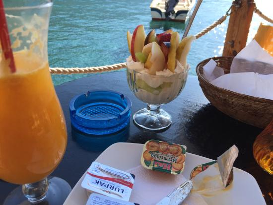 Sifis Hotel & Cafe Bistro : breakfast!