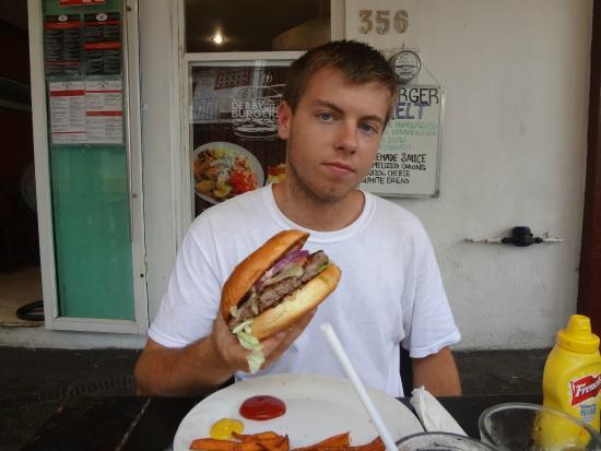 Derby City Burgers: BIG  burgers!