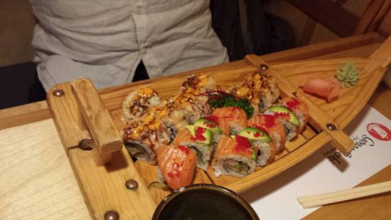 Gonoe Sushi Japanese Restaurant: Best sushi I have ever eaten, incredibly fresh! Reasonably priced as well :)