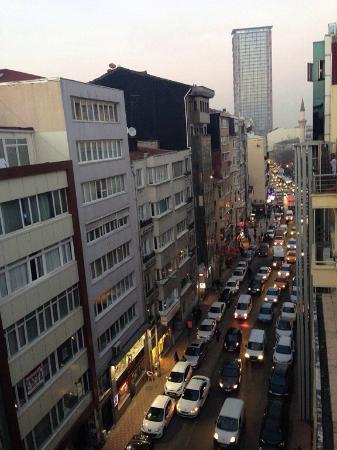 Hotel Regno: Это вечерний Стамбул, вид из окна