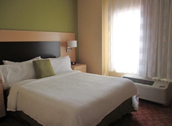 TownePlace Suites Vincennes: Bedroom 1