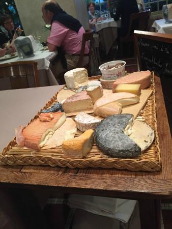 La Cote d'Or : Excellent cheese course