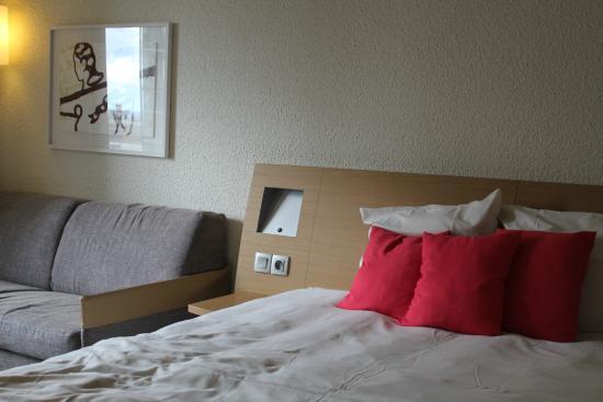 Novotel Strasbourg Centre Halles: Bed + sofa bed