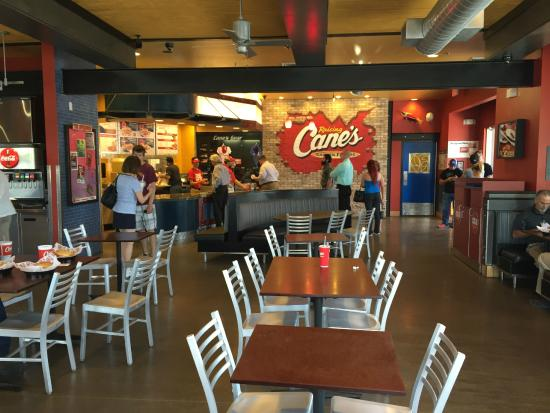 Raising Cane's Chicken Fingers: Dining Room & Counter