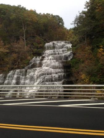 Hector Falls, Hector, NY: The motel driveway is perfect for a quick shot of the falls. Careful!