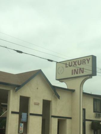 ‪Luxury Inn‬