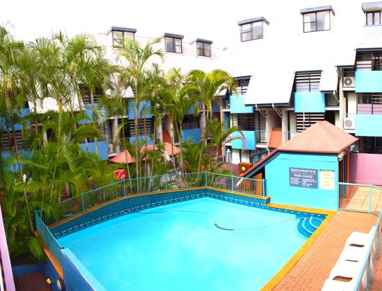 Bonapartes Serviced Apartments : pool