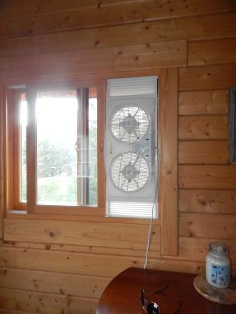 Kila, MT: Only cooling unit in cabin, would have liked more