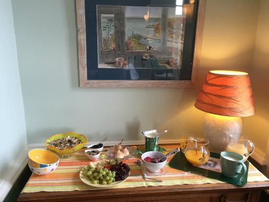 Pentower: breakfast in the dining-room