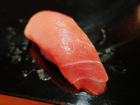 Otomezushi: 能登産マグロ