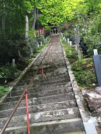 Yamamoto Fudoson: 長くて情緒のある参道と本堂、そして荘厳な奥之院