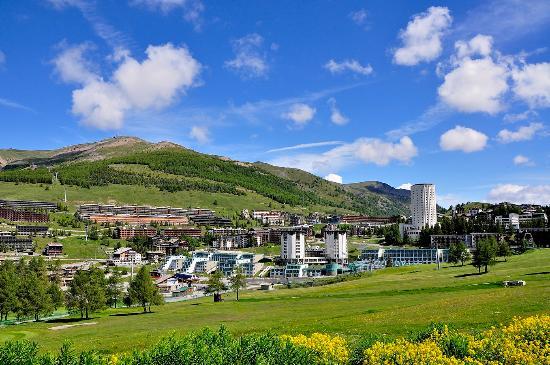 Panorama estate villaggio picture of villaggio olimpico for Villaggio olimpico sestriere
