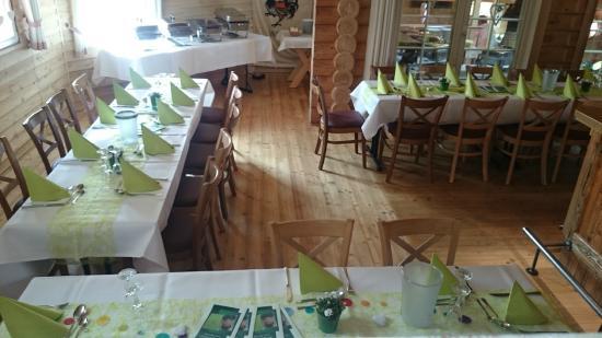 Blockhaus-Restaurant gedeckt für Feier - Bild von Wissegiggl ...