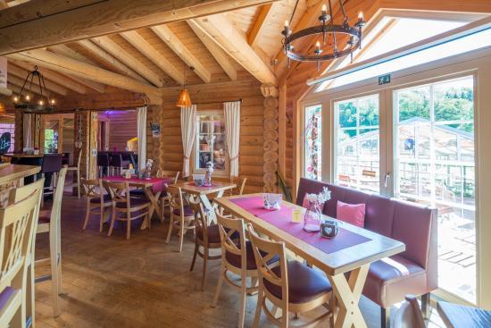 Tischbereich Blockhaus Restaurant - Bild von Wissegiggl, Villmar ...