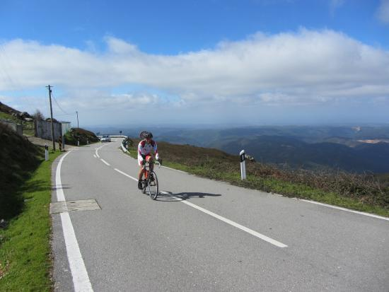 Algarve Bike Tours: Monchique mountian road bike tour