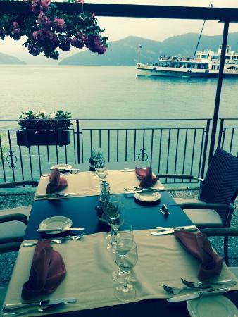 Mittag Essen im Zee Restaurant ������