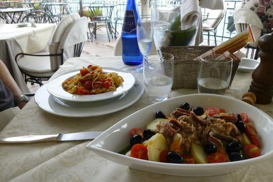 Hotel Bellavista: Lunch in hotel restaurant