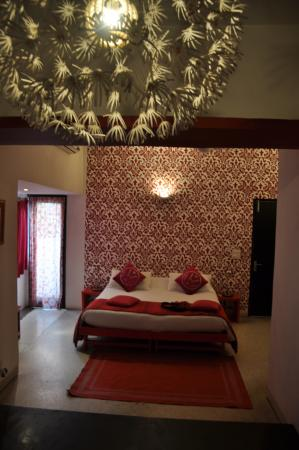 Amarya Villa: The ruby room