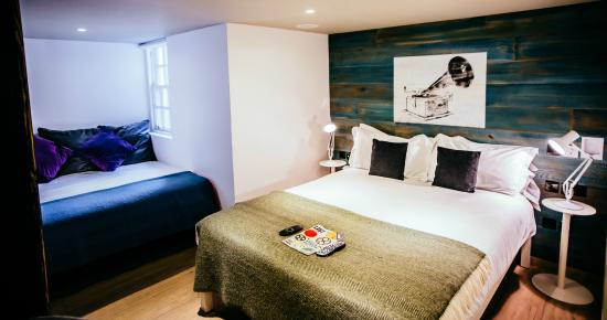 Stay Central Hotel : L Room (Executive Double or Twin)