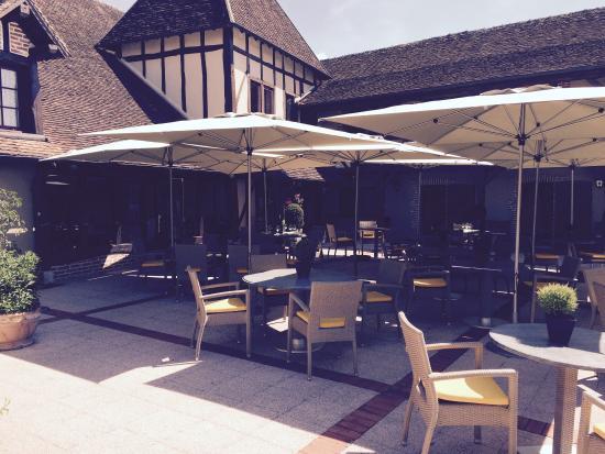 Auberge du Cheval Blanc : La terrasse
