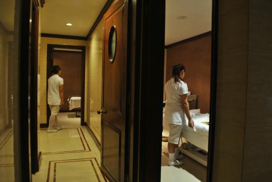 Dynasty Hotel: Spa