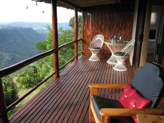 Leopard Rock Lookout Chalets & Coffee Shop/Restaurant: Terrasse Honeymoonchalet