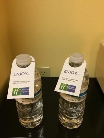 Holiday Inn Express Hotel & Suites Saint Augustine North : Complimentary Water:-)