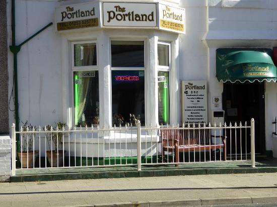 Portland Hotel: Hotel front