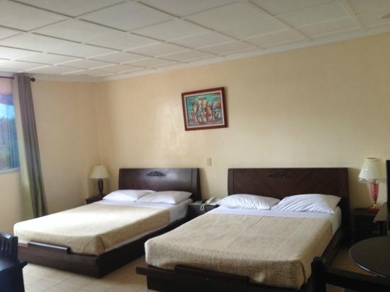 Boracay Royal Park Hotel: The beds