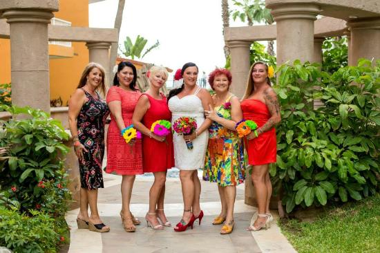 san jose del cabo single asian girls Casianos restaurant to break away from the limitations imposed by a set menu and to make a brand new dining experience out of every single san josé del cabo.