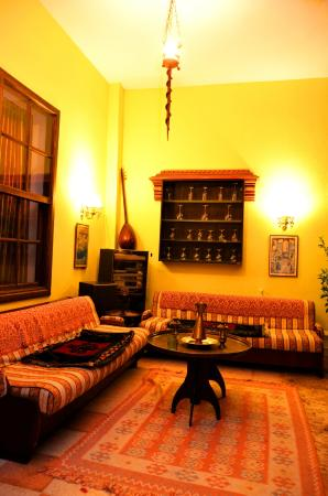 Kaleici Lodge Hotel : bahçe oturma alanı