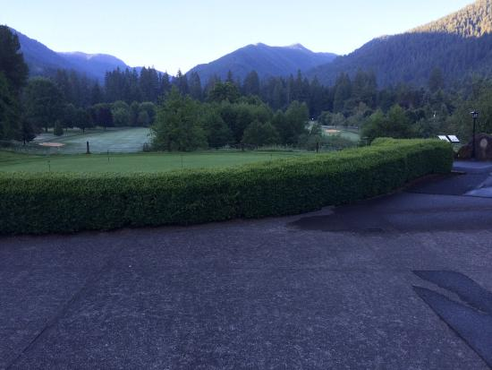 The Courses at The Resort at The Mountain : Some water