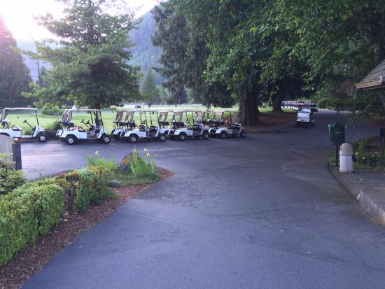 The Courses at The Resort at The Mountain : Crew getting ready for our tournament.