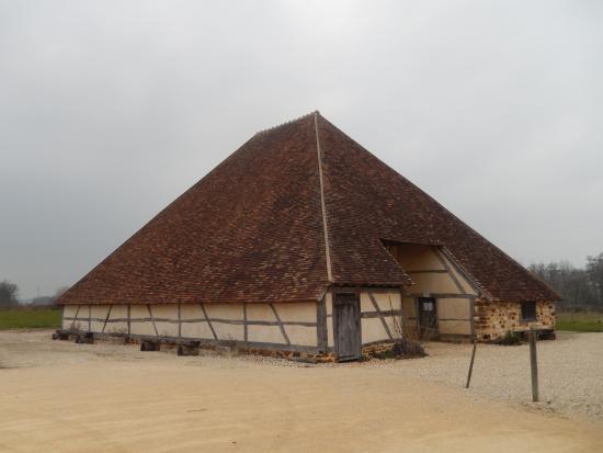 La Grange Pyramidale