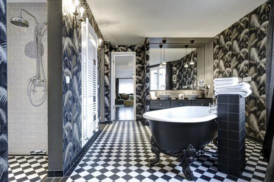 Berlin Gorki Apartments: Penthouse 1 master bathroom