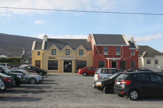 Dooagh, Irlanda: front of restaurant